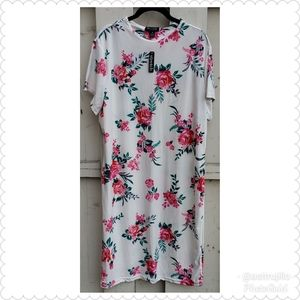 🆕️ NWT White Plus Size Floral Dress